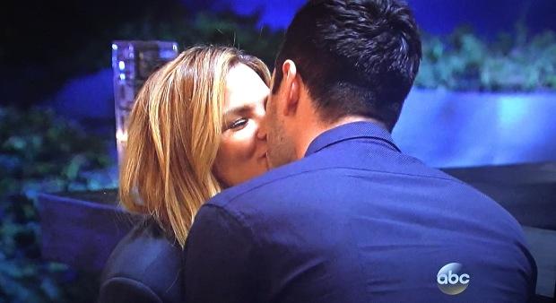 becca ben bachelor kiss