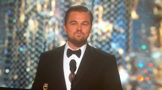 leo wins oscar speech face