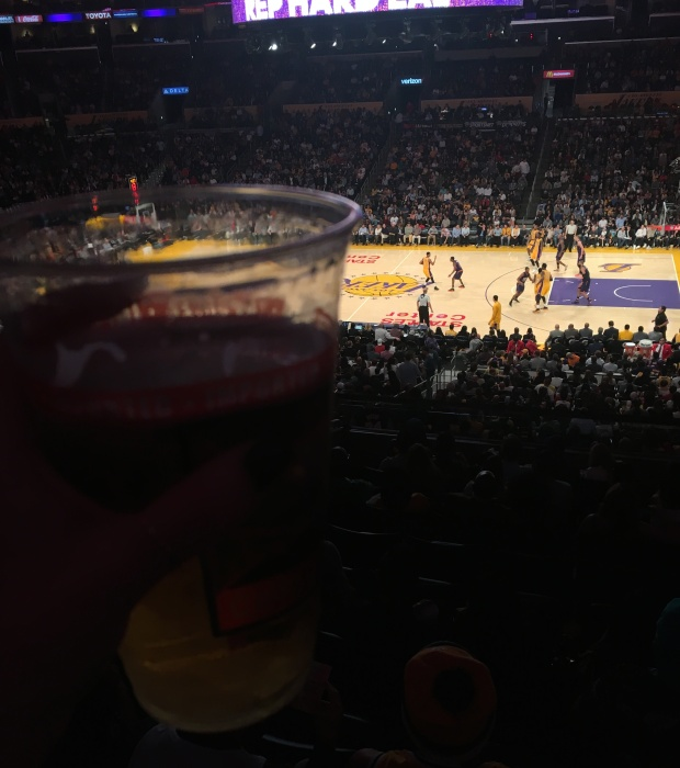 beer laker game los angeles