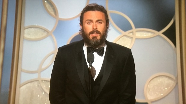 caset affleck golden globes hair.JPG