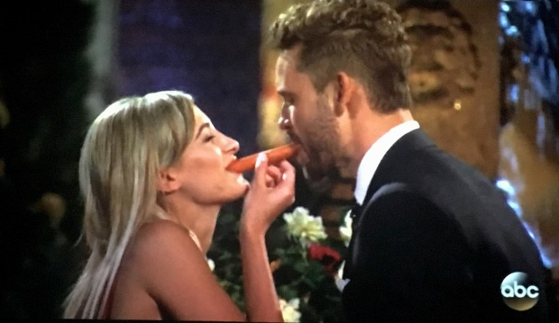 lady-and-the-tramp-hot-dog-bachelor-nick