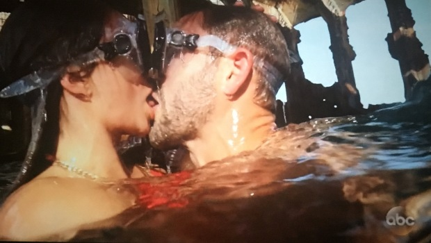 vanessa nick snorkel make out.JPG