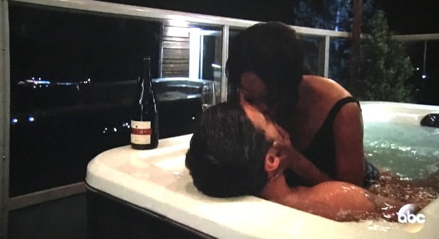 rachel peter hot tub makeout .JPG