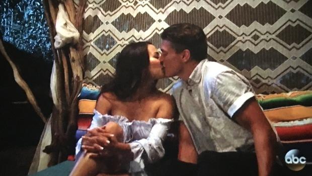 danielle dean kiss.JPG